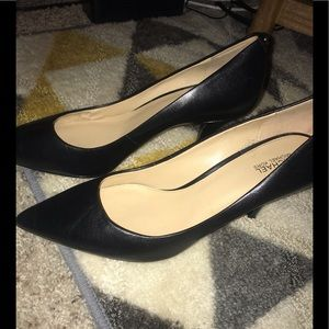 Only worn once Micheal Kors black pumps
